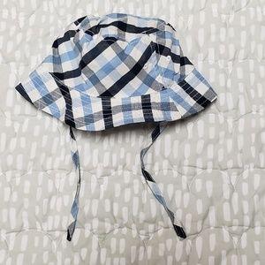 $3 add-on ~ H&M plaid sun hat baby boy sz 9-12m